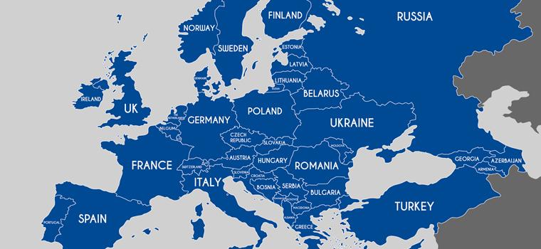 Carte de l'Europe en bleu sur fond blanc