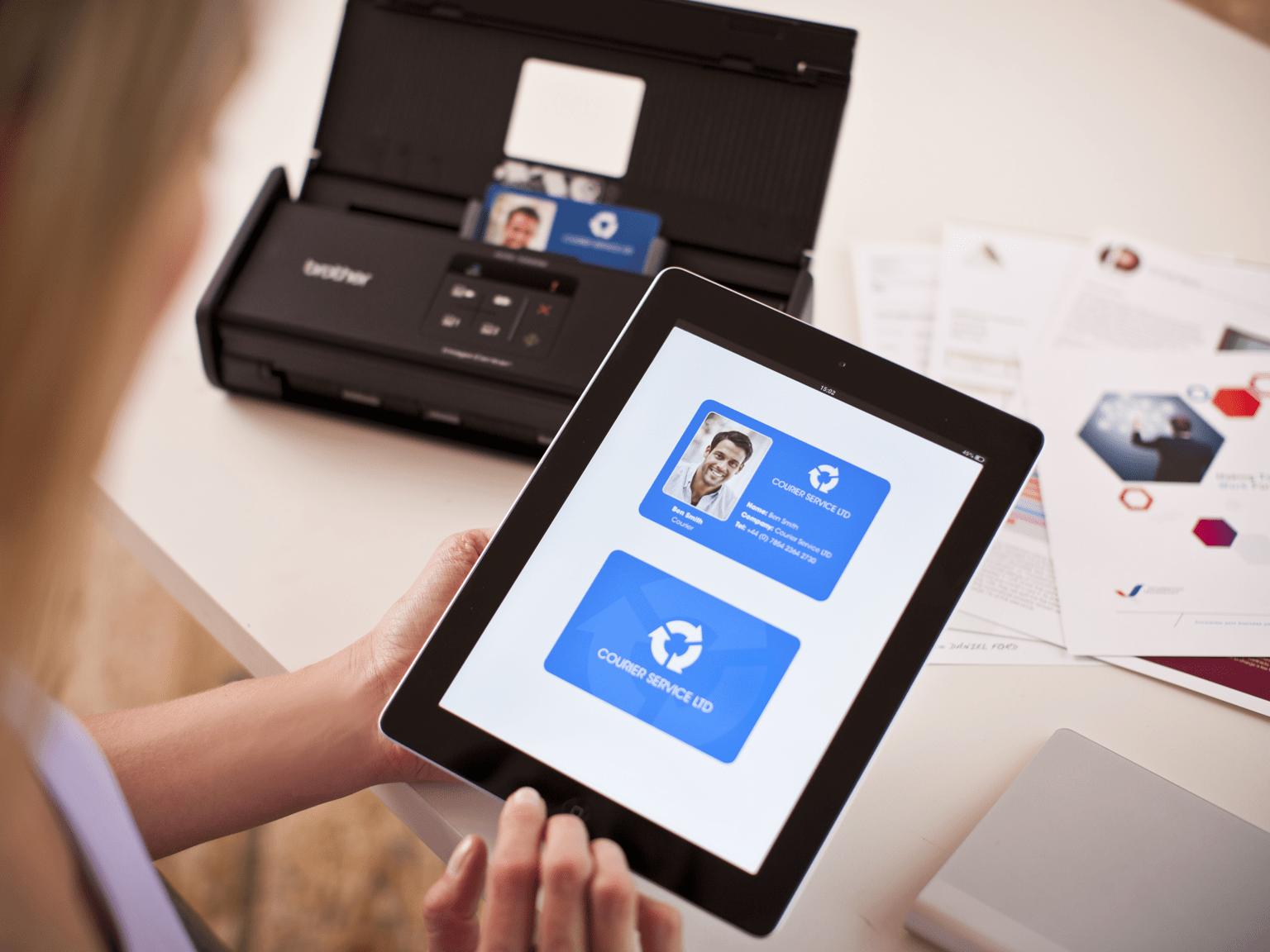 Numérisez vos factures facilement avec les scanners Brother