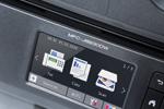 L'imprimante multifonction jet d'encre MFC-J6930DW de Brother possède un grand écran tactile