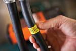 Profitez d'un large choix de rubans disponibles avec l'étiqueteuse PT-E300VP