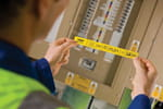 Personnalisez vos étiquettes grâce à la titreuse PT-E550WVP pour les professionnels de l'électricité