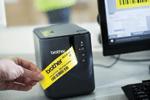 Réalisez différentes tâches d'étiquetage avec la titreuse PT-P900W